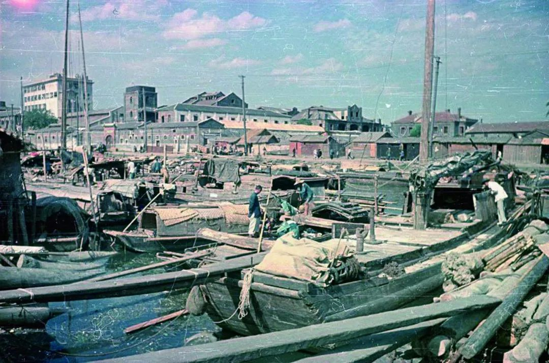 苏联摄影师镜头中新中国的第一抹彩色瞬间