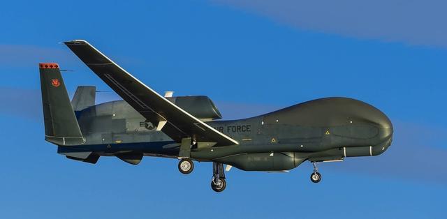 美军高官:过去15年美军机多次秘密飞越中国南海