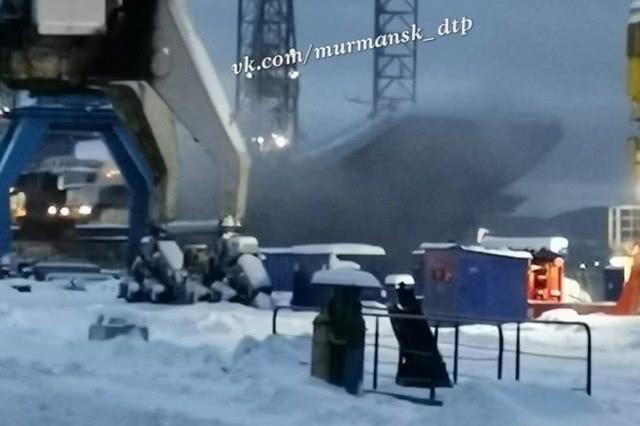 命运多舛,俄罗斯唯一航母维修时起火致6人受伤