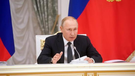 欧洲议会称苏联与纳粹一同发动二战 普京:无耻谎言