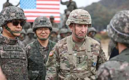 4个美军基地被下令收回,大批驻军被赶出,拒绝谈判