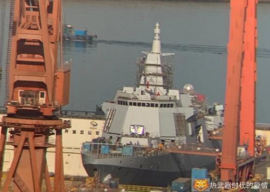大連船廠最新1艘055萬噸大驅進展神速 即將下水