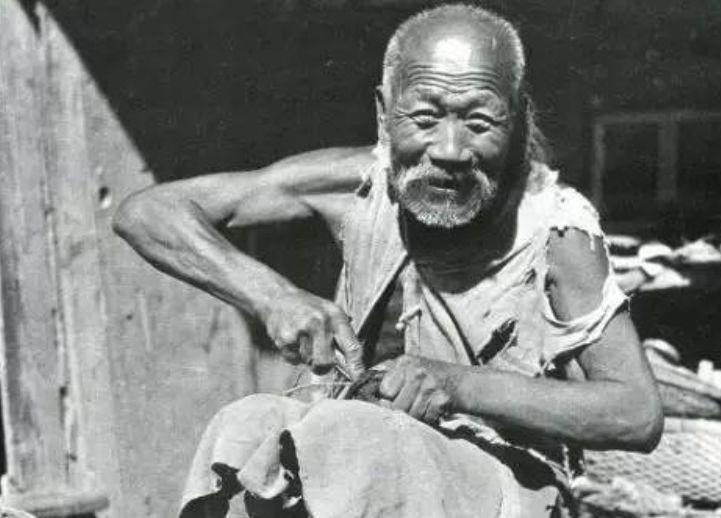 """百年前的""""高富帥""""和他留下的京城百態"""