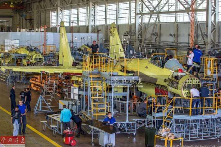 """""""侧卫""""摇篮!俄媒曝光苏-35S战机生产线"""
