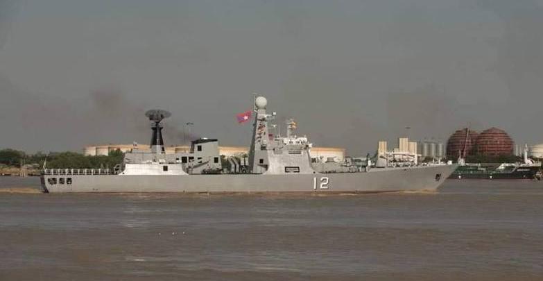 东南亚小国也搞海上阅兵秀战力 这条军舰亮了!