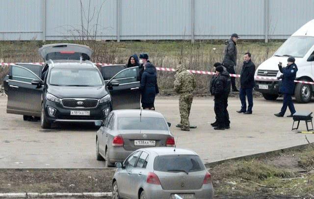 俄一地区负责人打开车门时公务车爆炸,不排除暗杀可能