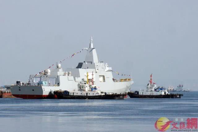 055+052D,大连船厂再次同日下水2艘驱逐舰