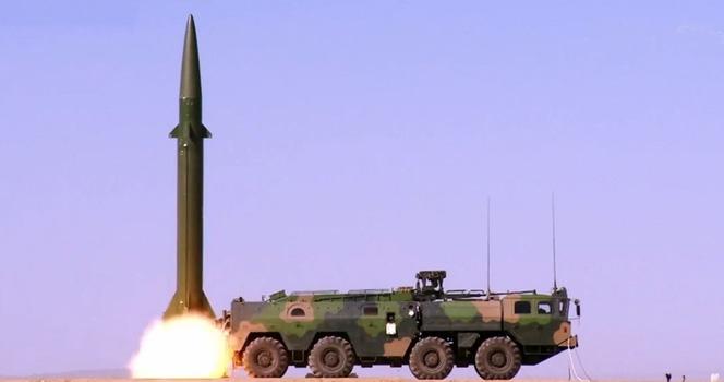 快被191箱式远火取代!火箭军东风11A导弹10发齐射猛破敌