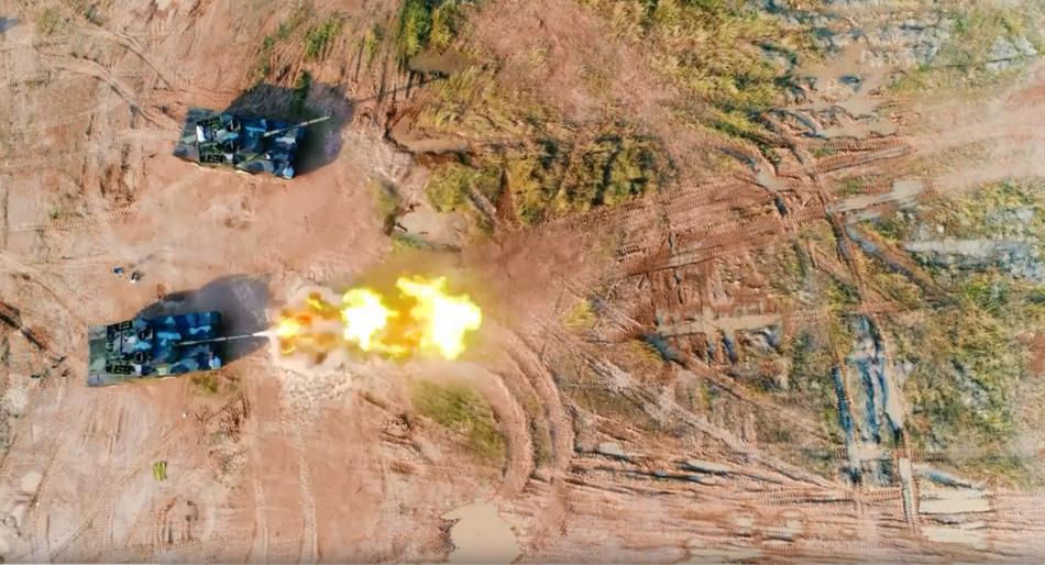 一炮穿心!泰國軍方展示中國造VT-4坦克新角度畫面
