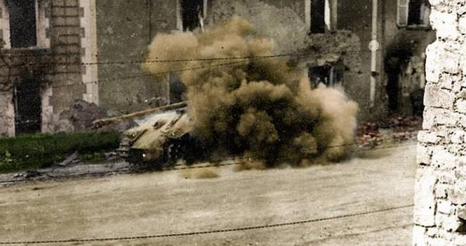 二戰珍貴照片,最后一張坦克里的人肯定活不了