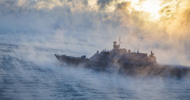 """美军濒海战斗舰海试遇到大雾 """"吓得""""不敢动弹"""