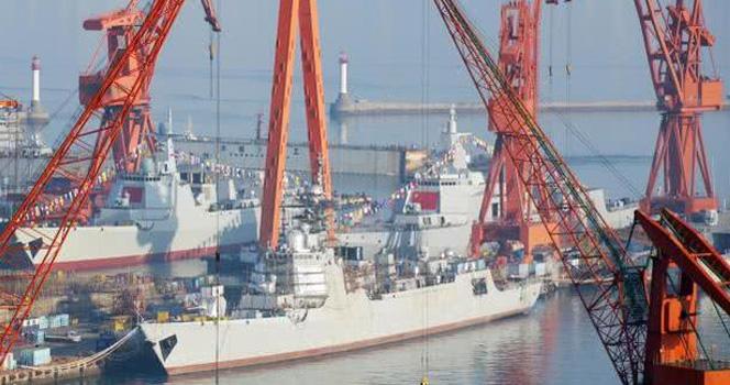 年底再來一波餃子!055+052D 大連船廠再次同日下水2艘驅逐艦