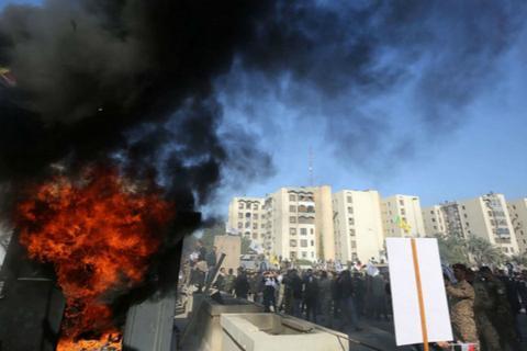 使馆遭伊拉克抗议者冲击后,美国防部将增派700名士兵