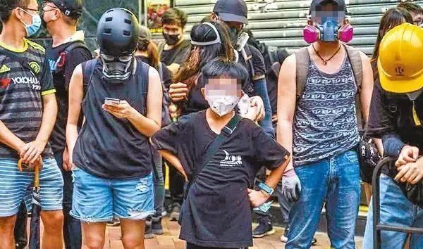 香港暴徒摘下黑色面罩,还能回归正常生活吗?