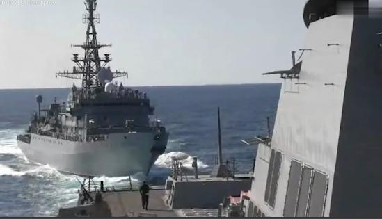 实拍!美俄军舰差点撞上 俄罗斯指责:你挡路了