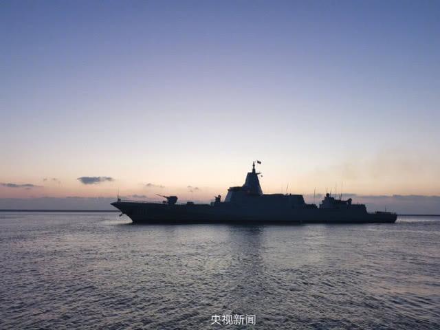 055南昌舰正式入役!一波高清美照袭来,万吨大驱就是震撼