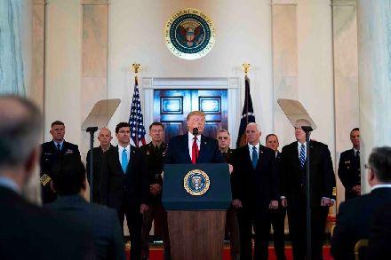 美军突然集结重兵,这次目标并不是针对伊朗,暗藏杀机