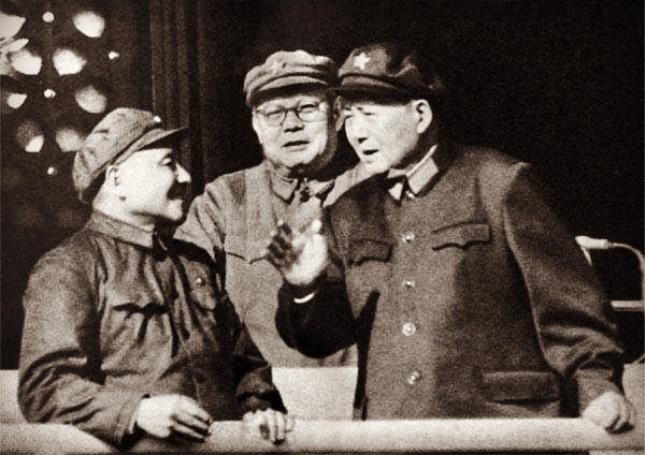 主席决策的最后一战 刚复出的邓小平坐阵总参作战部直接指挥