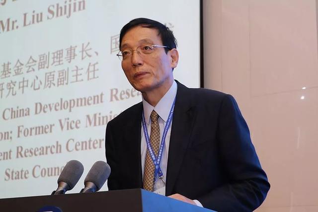 刘世锦:一年增长10万亿!中国经济要不要保6%?背后是一个深刻的大问题