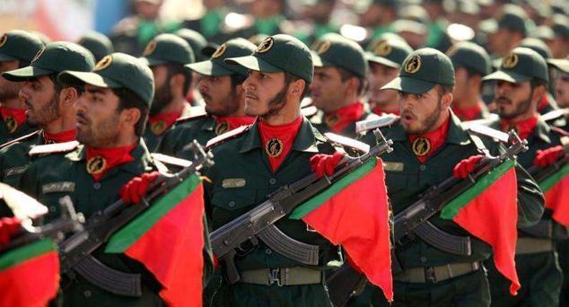 伊朗军队的总司令和革命卫队总司令谁厉害?伊朗为何有两支军队
