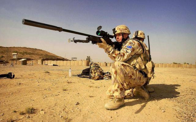 如果被狙击手瞄准射击,听到枪响,用最快速度走位能躲开子弹吗?