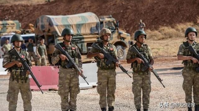 大批土耳其精锐部队抵达,猛烈开火打退叙军进攻,巴沙尔下令撤兵