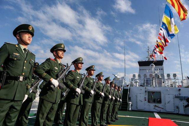 维护南海!中国海警舰首访菲律宾,送去大量物资,中菲迈出新步伐