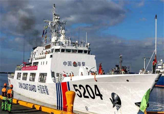 南海生变 马尼拉迎来中国舰艇 杜特尔特喜笑颜开 外交部怒赞