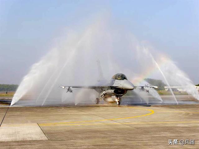 美国又搞事:给台岛F-16战机升级 送上新合同!一最强利器已曝光