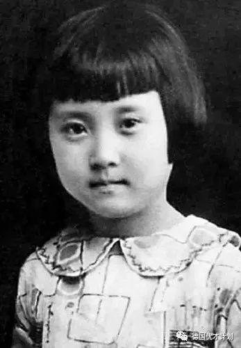 她是绝色美人,凭一封跨国信彻底改变了整个中国!