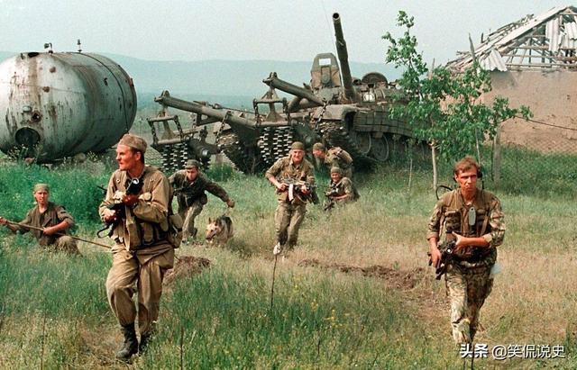 史上最奇葩的战争,仗打了一半没子弹了,只能从敌人手里购买