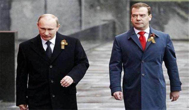 """老朋友走人,""""财神爷""""上位,俄政坛发生巨变,普京或有动作"""