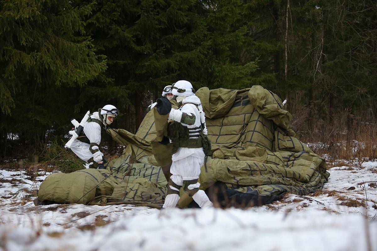 """军用""""充气玩具""""? 看俄军工程兵如何""""吹""""出坦克和战斗机"""