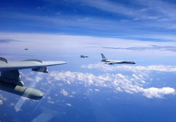台军关注解放军战机时隔一年飞越巴士海峡
