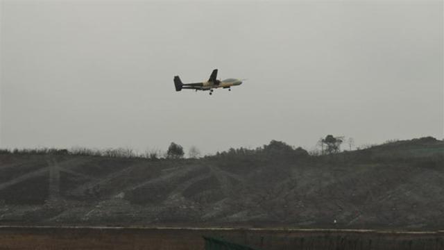 全球首款!中国又一飞机首飞成功!美网友:中国有美国都没的技术
