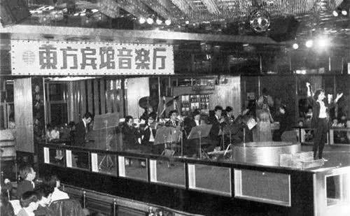 上世纪80年代中国人大城市的夜生活,不敢相信