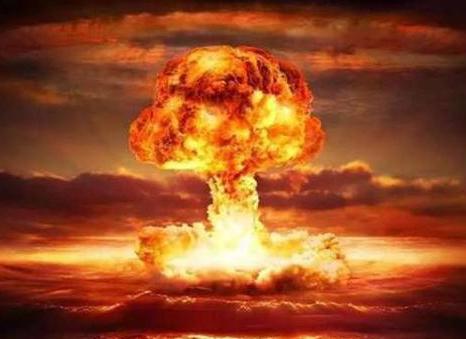 原子弹爆炸时,跳进下水道或者河里,能保住性命?