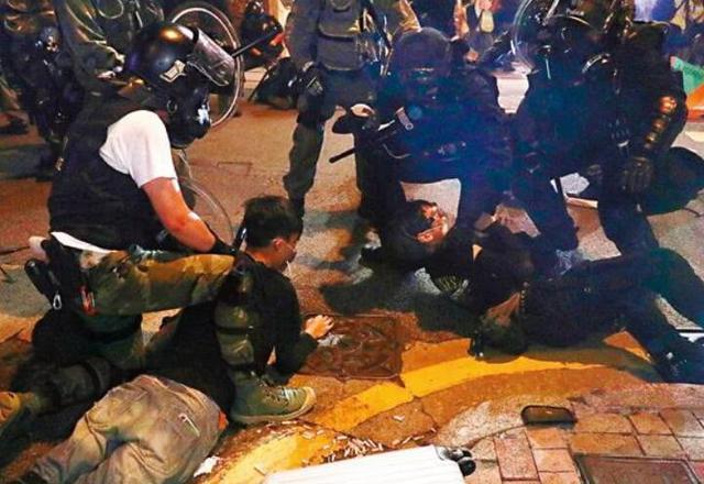 港警再传捷报!捣毁暴徒军火库 新的一年势必加大力度还香港和平