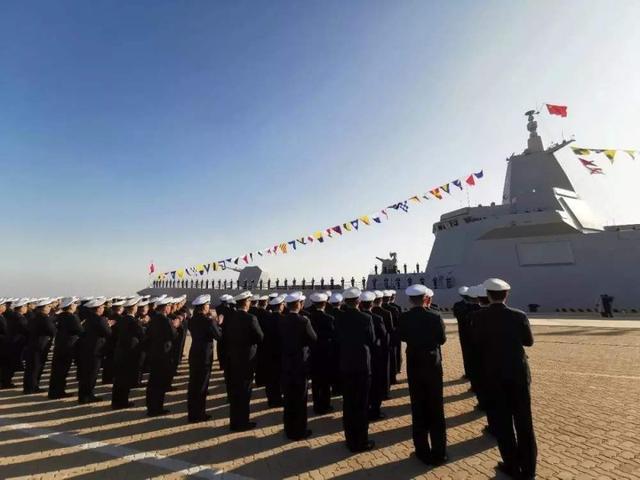国产大驱刚入役,美国航母就奔赴亚太,想搞事?但中国已今非昔比