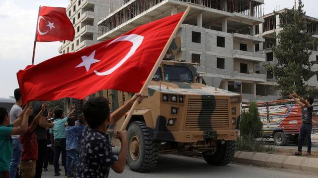 """土耳其对俄""""下战书""""!十万大军已集结完毕,随时冲破边界南下"""