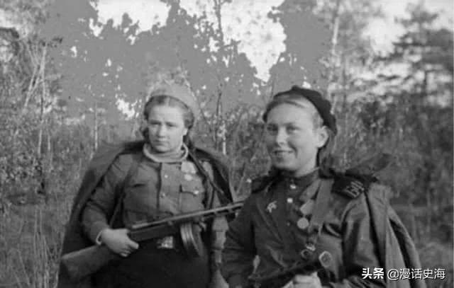 历史老照片:镜头下的二战苏联女兵和美国女兵对比