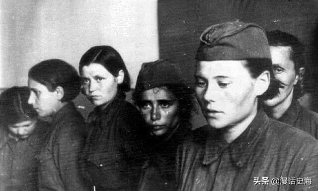 老照片:镜头下的二战苏联女兵和美国女兵对比