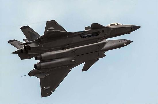 日本买不到F22就讨好美制造商 目的就是为了针对歼20