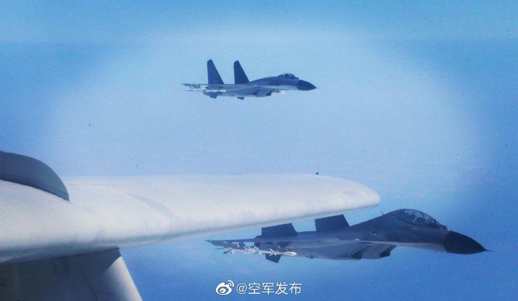 东部战区将在台岛东南海空联演 歼11轰6K挂弹飞行画面曝光