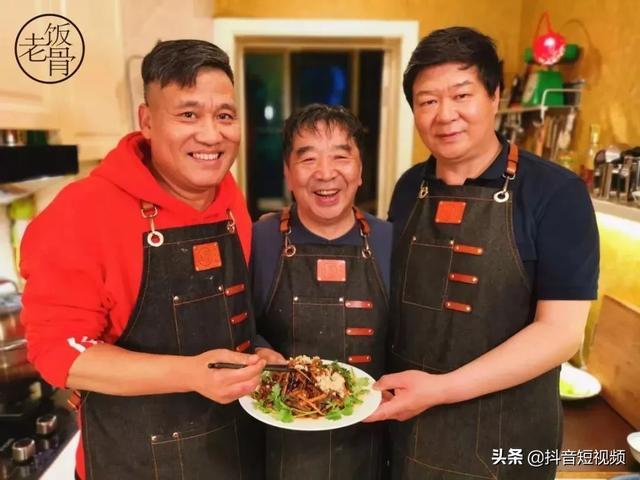 揭开中国顶级饭局的奥秘,三个老头子在自家厨房做出开国第一宴