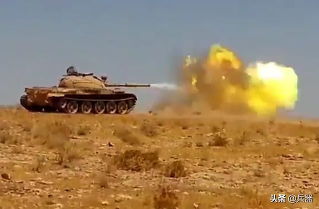 叙利亚与土耳其全面爆发大战?土军多辆战车变成废铁,战况惨烈