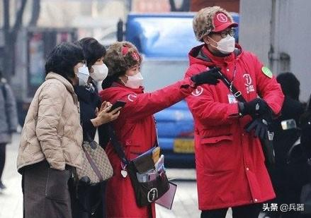 韩国三军,被病毒攻破了!一夜之间感染人数爆表,已紧急封闭管理