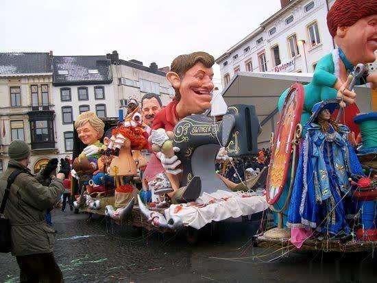 居心何在!比利时狂欢节借疫情篡改中国国旗,国人愤慨