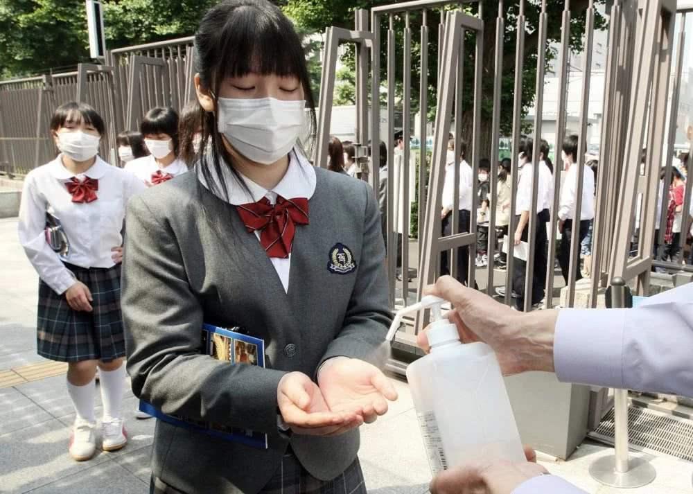 日本京都决定不听从安倍要求 3月继续上课!令人发指
