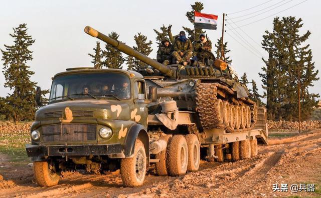 大量俄军坦克,正驰援叙政府军!咽喉要道2次易手,最后一战在即